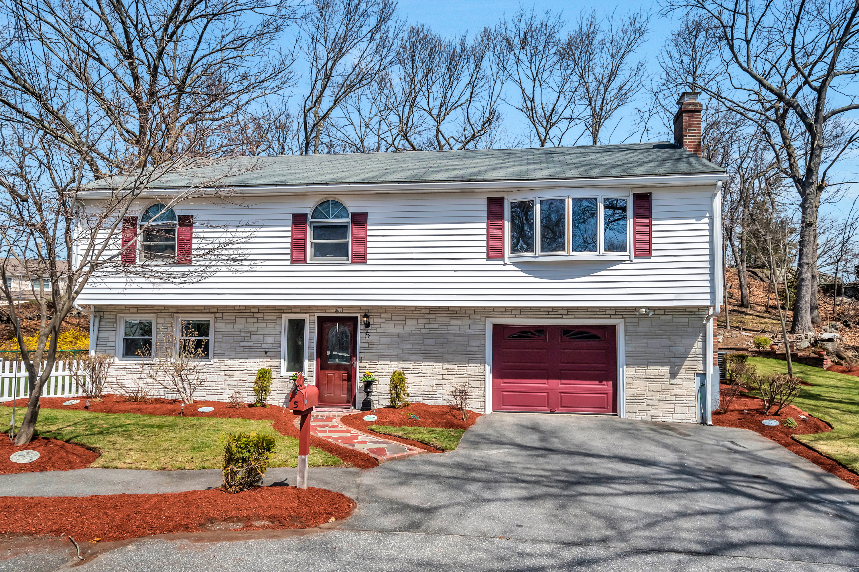 5 Adams Circle, Woburn MA