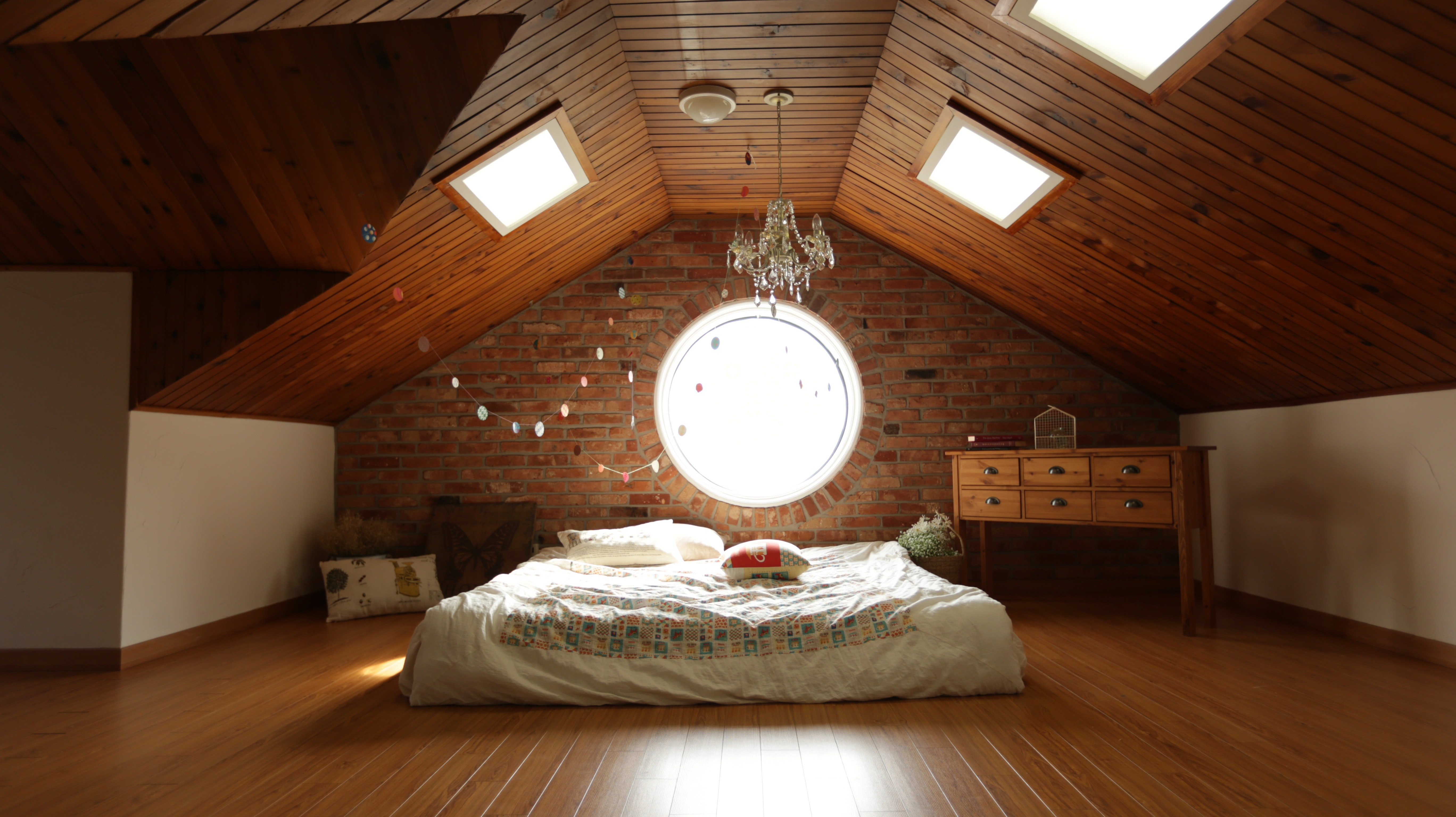 architecture-bed-bedroom-271743