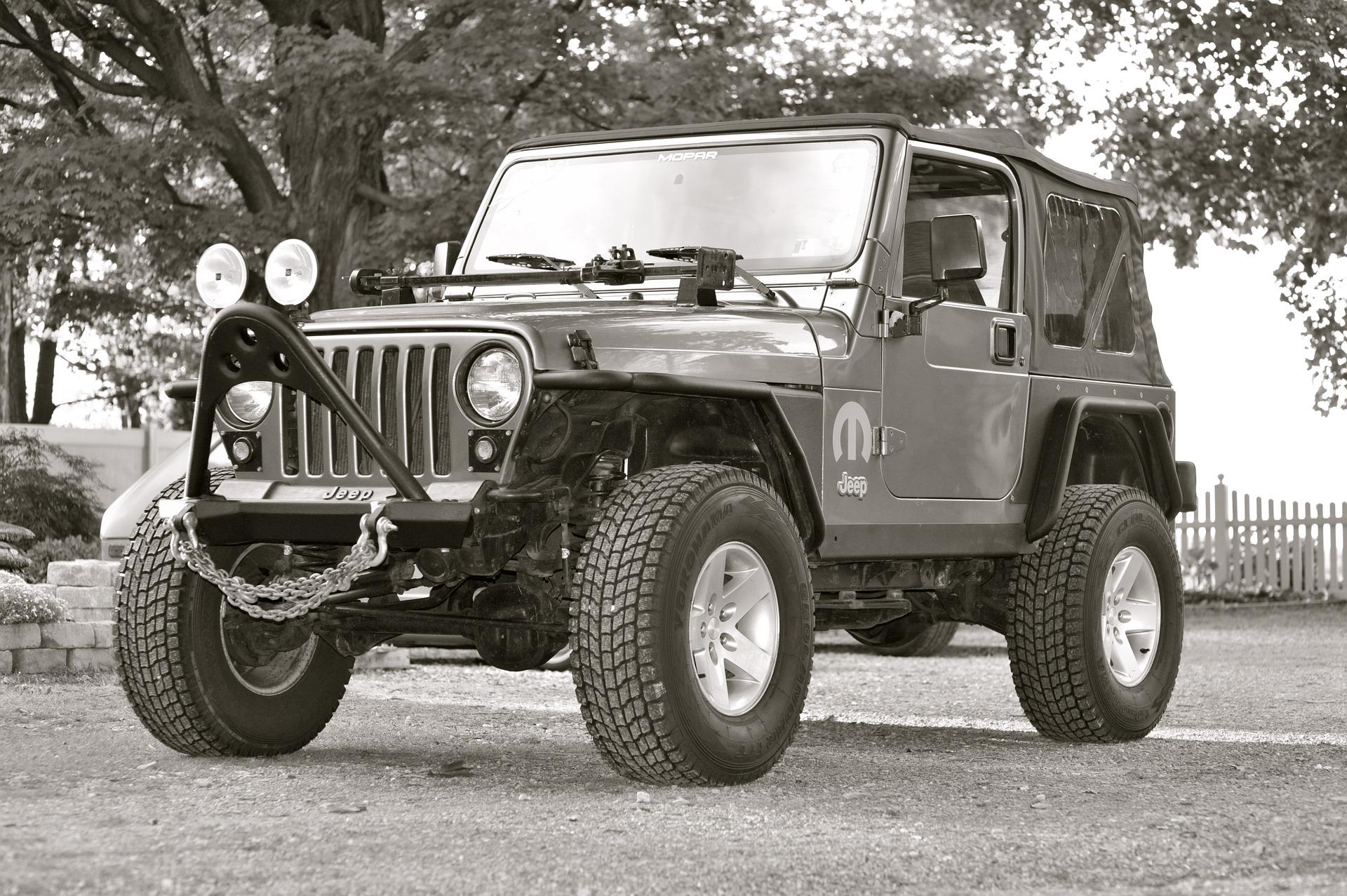 jeep-2137842_1920